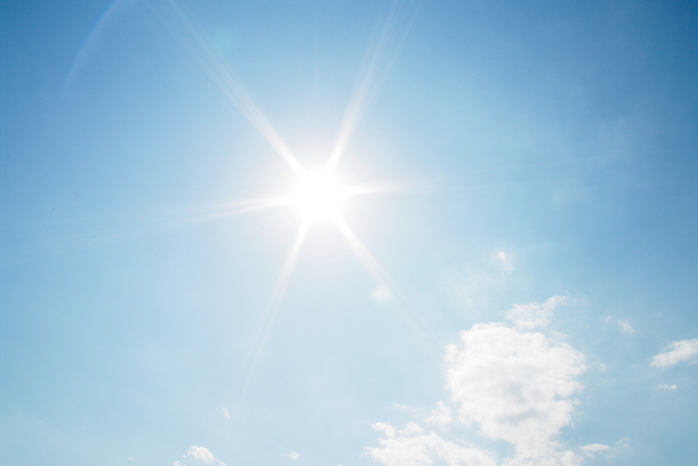 真夏の太陽の日差し