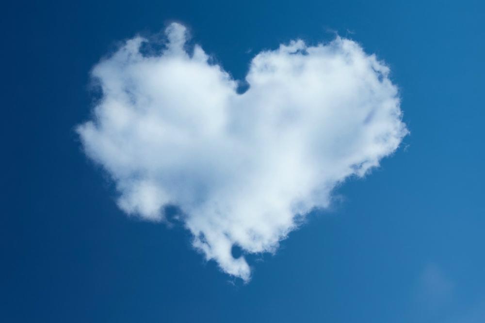 ハート雲と澄み切った空